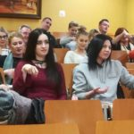 Zajęcia w zakresie języka migowego w Studium Pracowników Medycznych i Społecznych w Wałczu