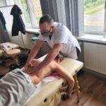 zajecia-praktyczne-z-masazu-studium-pracownikow-medycznych-i-spolecznych-19