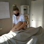 zajecia-praktyczne-z-masazu-studium-pracownikow-medycznych-i-spolecznych-4